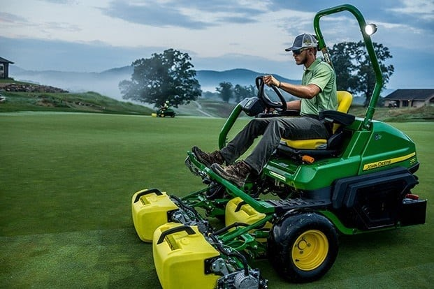 4 Tips to Choose Used Golf Course Equipment Wisely