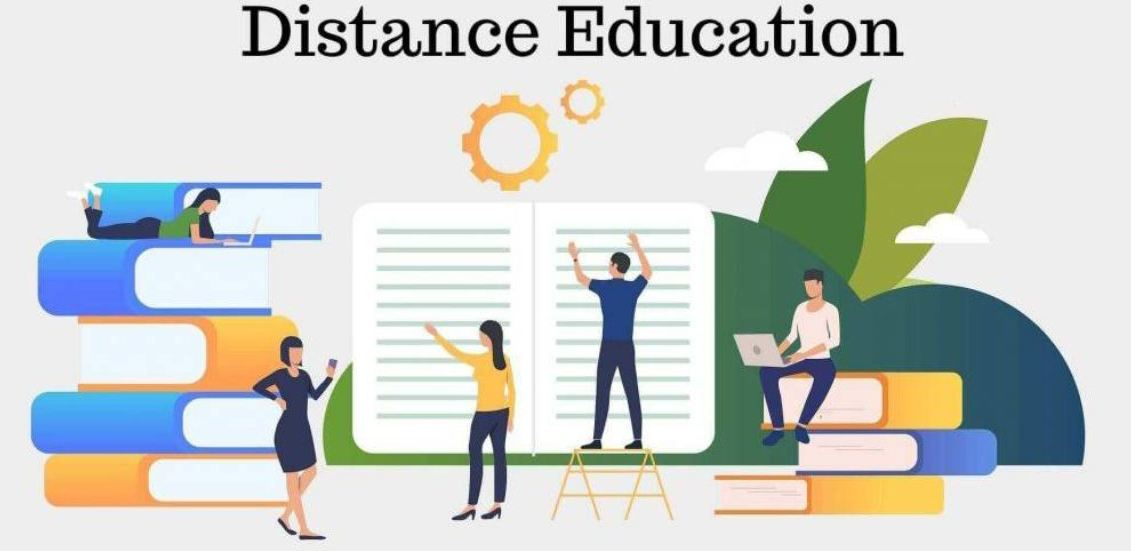 What are the Advantages and Disadvantages of Distance Education?
