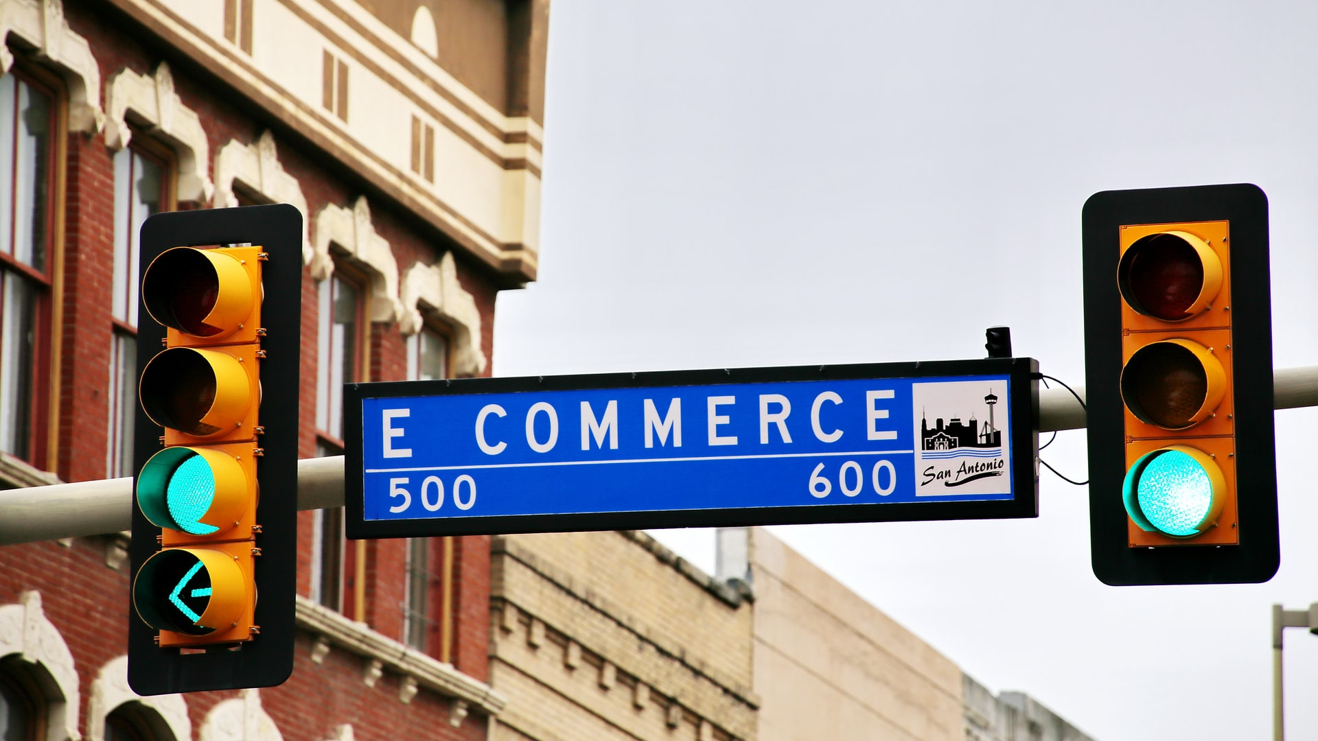 Different Uses of Internet in Ecommerce Businesses